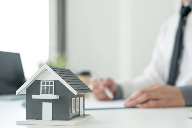 Agents Working In Real Estate